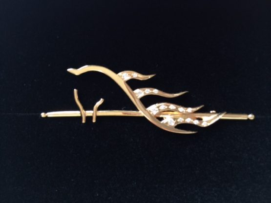 24 Carat Gold Horse's Head on Cane Stock pin