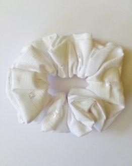 White 'H' motif scrunchie