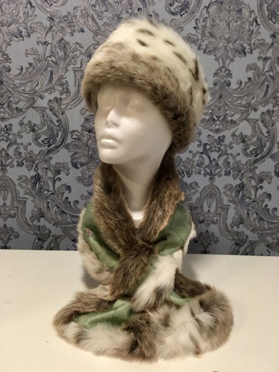 Light Green Silk and Lynx Faux Fur Stole